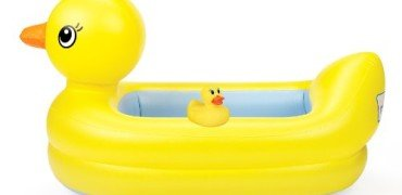 Munchkin White Hot Inflatable Safety Tub and Bath Ducky Set